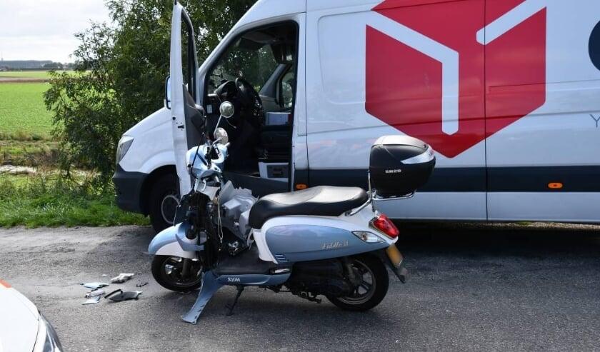 De scooter raakte beschadigd.