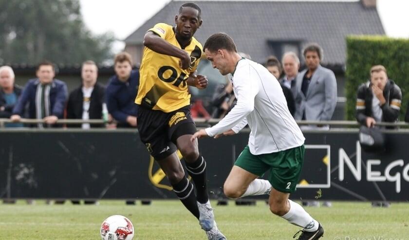 Torino Hunte in actie tegen BSC Roosendaal.