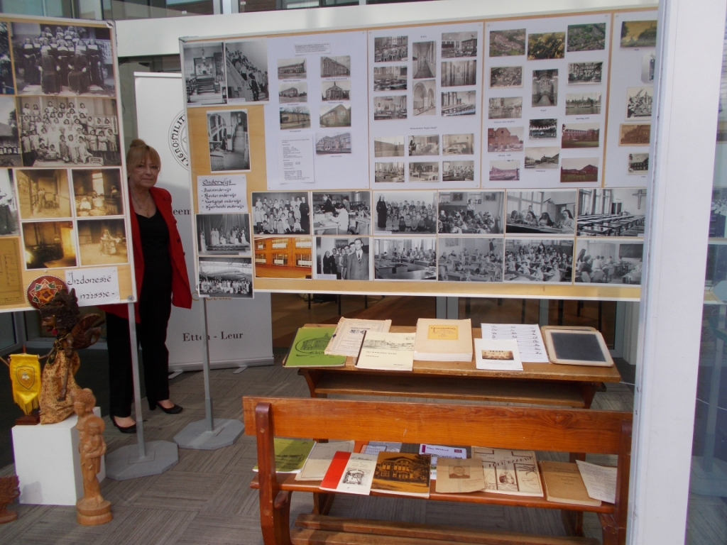 Foto's en materialen uit oude tijden van de zusters franciscanessen.  Foto: Monique Jansen © Internetbode