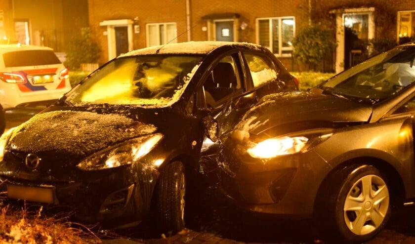 Beide auto's raakte beschadigd bij het ongeval.