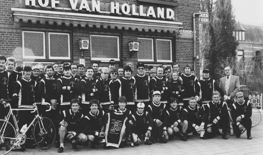 <p>TWV de Turfrijders 1982.</p>