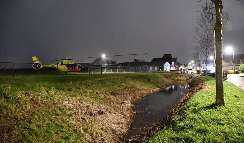<p>Traumahelikopter landde zondagavond in Oud-Vossemeer.</p>