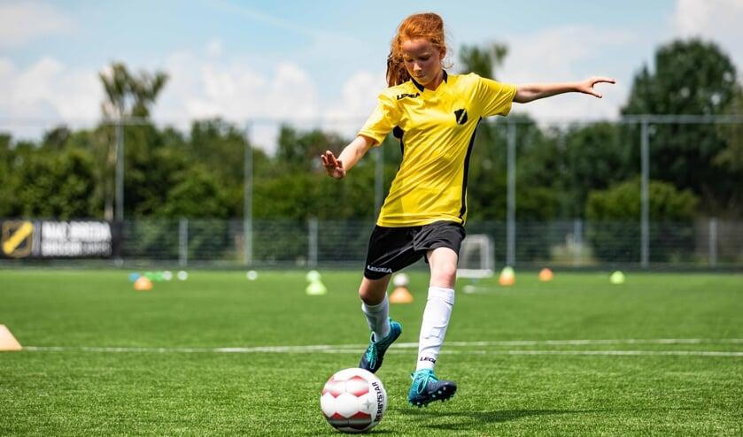 Meiden van 6 tot en met 15 jaar mogen deelnemen aan het voetbalkamp.