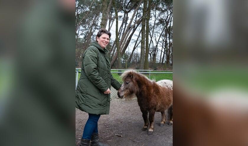 <p>Linda Nouws, beheerder kinderboerderij De Gele Berg.</p>