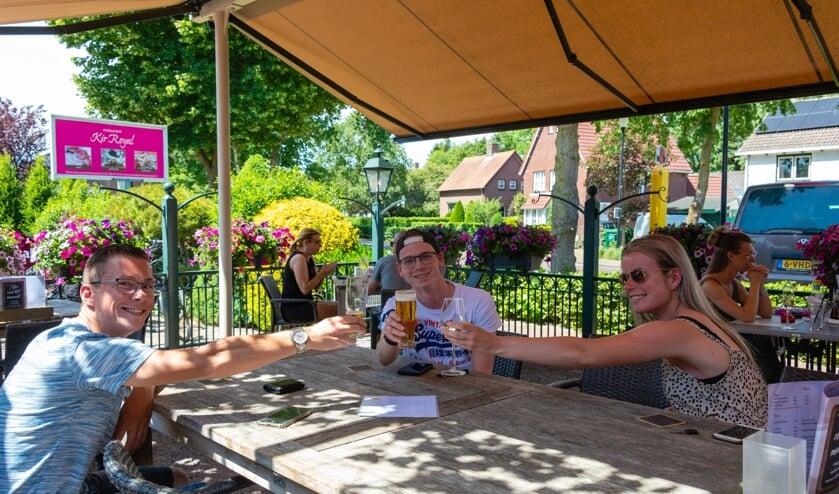 <p>Fractie Clercx noemt het goed nieuws dat al meerdere burgemeesters de terrassen van de horeca weer open willen hebben. </p>