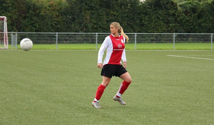 Mirjam van Hijfte voetbalt bij Kapelle.