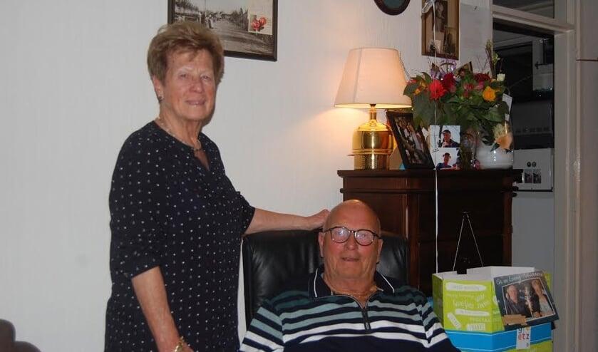 <p>Cor en Leuny Adriaanse-Dekker zijn 60 jaar getrouwd.</p>