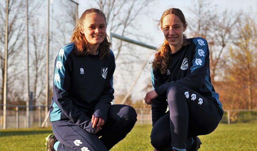 <p>Michelle van der Jagt (l) en Fabi&euml;nne Tolhoek bij JVOZ.</p>