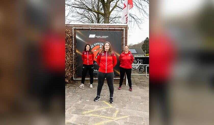 vlnr: Lori Marseurs, Maud van der Linden en Corrie Antens