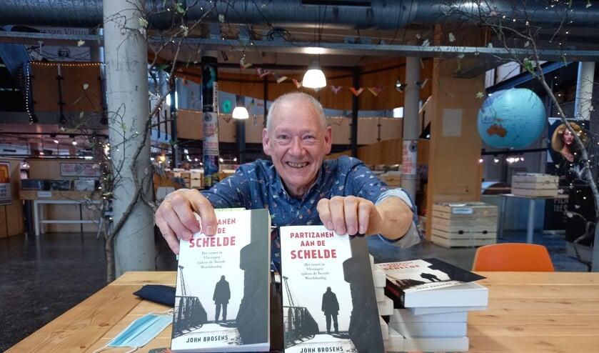 <p>John Brosens signeerde &#39;op afspraak&#39; bij boekhandel &#39;t Spui.</p>