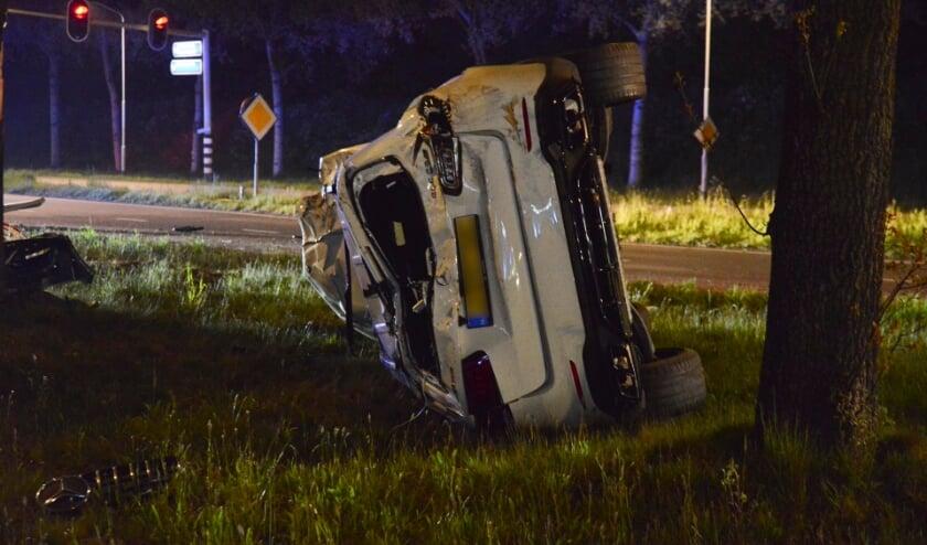 Het voertuig kwam op zijn zijkant terecht.